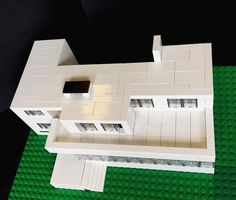 My Lego version of Villa Tugendhat by Ludwig Mies van der Rohe. The house is on a slope and the terrace is on level with the street. The back left part of  is a garage. I didn't  build it to be seen from a bird's view meaning that is probably not fully accurate plus I have left out details that wouldn't be seen from the ground. But I wanted to post it anyway  #lego #architecture #legoarchitecture #miesvanderrohe by askansbricks