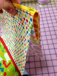 THE QUILT BARN: Sew Together Bag - Day 3