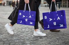 Brand identity and bags by Swedish studio BVD for Blå Bär, an Osaka-based retailer of Scandinavian goods. #branding #bags