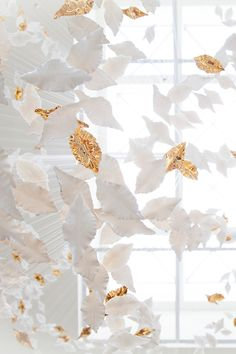 Haberdashery was commissioned by international art consultancy Union Art + Design to create a bespoke sculpture for the new Conrad Chicago Hotel. The hotel's sky lobby is home to Inoca, a composition of some 1300 English fine bone china leaves which descend from the glass ceiling above. #haberdasheryltd #conradchicago