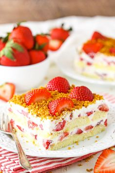 Strawberry Shortcake Icebox Cake & The BEST No Bake Cake! Strawberry Shortcake Icebox Cake The post Strawberry Shortcake Icebox Cake & The BEST No Bake Cake! appeared first on Ladybug. No Bake Desserts, Easy Desserts, Mini Desserts, Summer Desserts, Strawberry Shortcake Dessert, Icebox Cake, Salty Cake, Strawberry Recipes, Strawberry Tiramisu