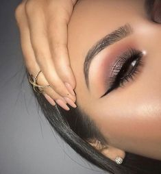 Love her brows! Beautiful Eye Makeup, Love Makeup, Makeup Inspo, Makeup Inspiration, Makeup Style, Makeup Lipstick, Makeup Cosmetics, Hair Makeup, Arab Makeup