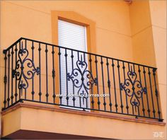 4004 Balcony forging and casting Home Window Grill Design, Balcony Grill Design, Balcony Railing Design, Iron Staircase, Staircase Design, Wrought Iron Porch Railings, Balcon Juliette, Iron Gate Design, Iron Balcony
