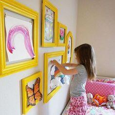 Amo a ideia! #Repost @boxjoanninha ・・・ Dica de decoração para o quarto das crianças: moldura colorida com os desenhos dos pequenos artistas!!! Adoramos ❤💙💚💜🐞🎨🖼#boxjoanninha #dicas #brincadeiras #moldura #desenho #pequenosartistas #diversao #criatividade #alegria