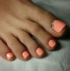 Pedicure Colors, Pedicure Designs, Toe Nail Designs, Pedicure Nails, Gel Toe Nails, Feet Nails, Toe Nail Art, Acrylic Toes, White Acrylic Nails