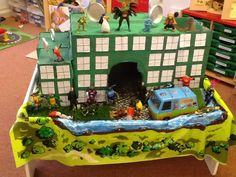 small world play- maybe we could make one model to use in class? Super Hero Activities, All About Me Activities, Preschool Learning Activities, Play Based Learning, After School Club Activities, Early Years Classroom, Superhero Classroom, Dramatic Play Centers, Small World Play