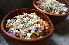 Mediterranean Pasta Salad - Spring is the time for fresh salads. Mix up this gluten free pasta salad packed with lots of fresh, nutrient-rich veggies and a delicious dressing for your next potluck or BBQ! Gluten Free Pasta, Gluten Free Cooking, Gluten Free Recipes, Mediterranean Pasta Salads, Healthy Salads, Soup And Salad, Soup Recipes, Veggies, Dressing