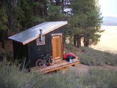one tree cabin in truckee, ca. Tiny Cabins, Tiny House Cabin, Cabins And Cottages, Tiny House Design, Cabin Homes, Little Cabin, Little Houses, Outdoor Sauna, Sauna Design