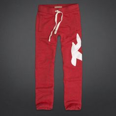 Hollister is the fantasy of Southern California, with clothing that's effortlessly cool and totally accessible. Shop jeans, t-shirts, dresses, jackets and more. Hollister Sweatpants, Stylish Men, Guys, My Style, Jeans, Classic, T Shirt, Jackets, Clothes