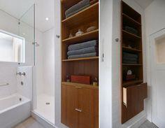 Tủ âm tường là nội thất được sử dụng khá nhiều trong các thiết kế hiện đại, không chỉ bởi sự tiện lợi mà còn bởi tính thẩm mỹ mà nó đem lại. Bên cạnh việc tiết kiệm được diện tích, tủ âm tường vừa là nơi đựng đồ đạc nhưng cũng đồng thời là điểm nhấn trang trí rất hấp dẫn cho nội thất trong căn nhà của bạn.  http://minhkiet.com.vn/nhung-kieu-tu-am-tuong-gon-gang-dep-mat-20150107105331403.html