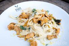 Tagliatelle mit Pfifferlingen Pesto Pasta, Gnocchi, Risotto, Spaghetti, Beverages, Meat, Ethnic Recipes, Food, Cooking