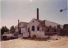 Antiguo Matadero Municipal de Alcabre. Aspecto de la fachada al mar en 1993.