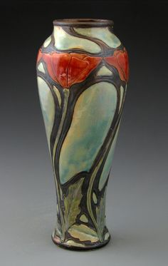 The amazing art deco and art no. The amazing art deco and art nouveau designs of Stephanie Young. Roseville Pottery, Pottery Vase, Ceramic Pottery, Ceramic Art, Design Art Nouveau, Art Design, Kintsugi, Casa Art Deco, Jugendstil Design