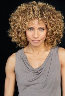 Michelle Hurd - we are the same age and look how stunning she is. Black Female Actresses, Beautiful Black Women, Amazing Women, Michelle Hurd, Afro Curls, Style Outfits, Black Artists, Celebs, Celebrities