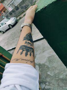Viva como um rei Live like a king King Tattoos, Tattos, Live, Tattoo, Religious Tattoos For Men, Tattoos