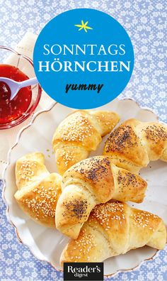 Hörnchen mit Sesam und Mohn Hot Dog Buns, Hot Dogs, Brunch, Hamburger, Bread, Play Dough, Oven, Food And Drinks, Rezepte