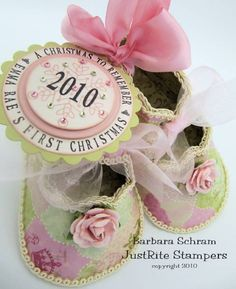 So cute! Want to make this for Sweet Pea's first Christmas.