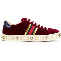 Red Gucci Sneakers, Studded Sneakers, Gucci Shoes, Sneakers Fashion, Fashion Shoes, Shoes Sneakers, Classic Sneakers, Baskets Plates, Basket Rouge