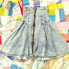 Vintage acid wash high waisted skirt❤ I have found this acid wash high waisted skirt just out of luck! Sadly it doesn't fit me but ill be sewing in elastic so it can:)  it's true vintage and I really can't find where this came from! Size S Skirts