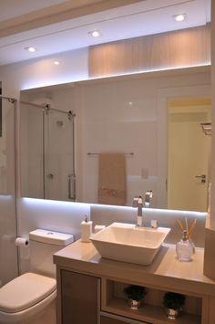Navegue por fotos de Banheiro : Banho Social. Veja fotos com as melhores ideias e inspirações para criar uma casa perfeita.