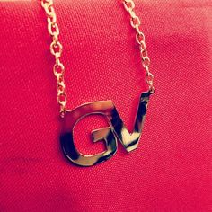 COLLAR INICIALES BAÑADO EN ORO  -  -  -  #jewelry #handmade #hechoamano #talentovenezolano #diseñovenezolano #joyeria #ventaonline #handmadejewelry  #hechoenvzla #customjewelry #iniciales #initials http://ift.tt/2sn6uMo