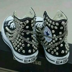 Studs rock black punk converse