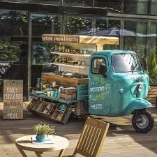 Ideas Food Truck Design Piaggio Ape For 2019 Coffee Truck, Coffee Carts, Coffee Shop, Cafe Bar, Farm Cafe, Cafe Design, Store Design, Brand Design, Foodtrucks Ideas