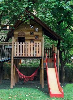 Hammock under play house, so cute Playground Swing Set, Backyard Playground, Backyard For Kids, Kids Clubhouse, Pole House, Tree House Plans, Wendy House, Tree House Designs, Play Houses