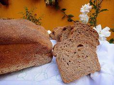 Pão cem por cento integral com legumes e nozes