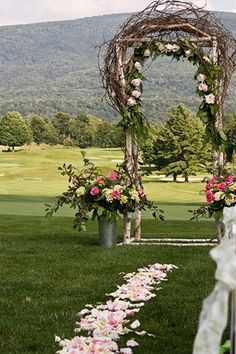 Great for a rustic or casual wedding outside! - Click image to find more weddings posts