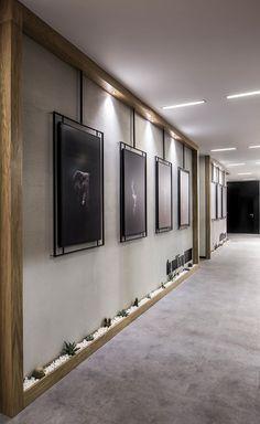 A look into Elissa Stampa& sleek Istanbul office - Officelovin & # 39 - . - A look into Elissa Stampa& sleek Istanbul office – Officelovin & # 39 – - Lobby Design, Design Entrée, Design Firms, Creative Design, Display Design, Floor Design, Design Trends, Office Wall Design, Office Walls