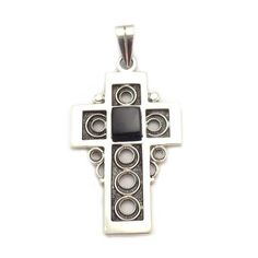 Pendant Cross, in sterling silver and jet, handmade in Galicia with traditional methods. Artcraft of The Way of St. Made in spain Tax Free, Cross Pendant, Jewelry Crafts, Jet, Spain, Arts And Crafts, Traditional, Sterling Silver, Handmade