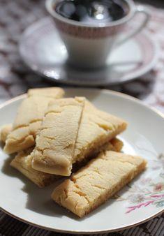 Caramel cookies Caramel Biscuits, Caramel Cookies, Vanilla Sugar, No Bake Cookies, Tray Bakes, Oven, Rolls, Bread, Baking
