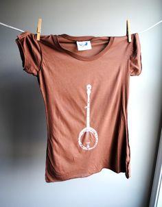 Banjo tshirt.