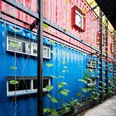 PRIMEIRO HOSTEL CONSTRUÍDO A PARTIR DE #COINTAINERS RECICLADOS #arquitetura #reciclagem #construcao #hostel #upcycling #inovacao #architecture #container