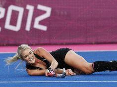 Le hockey féminin se porte bien en Nouvelle-Zélande. Les coéquipières de Samantha Harrison sont qualifiées pour les quarts de finale en terminant premières de leur groupe !
