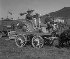Note Mother Goose wagon. Cole Bros. Circus, June 30, 1941.