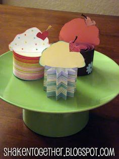 I'm calling them Popcakes short for 'pop-up paper cupcakes'. And seriously? A dozen is just not enough! They're quick, easy, low-cal and guilt-free! Cupcake Crafts, Paper Cupcake, Cupcake Party, Cupcake Centerpieces, Cake Platter, Love Cupcakes, Farm Theme, Colorful Cakes, Card Stock