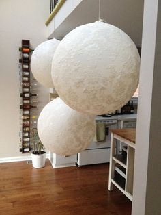 DIY lace baloon and wine rack - Catalina Block