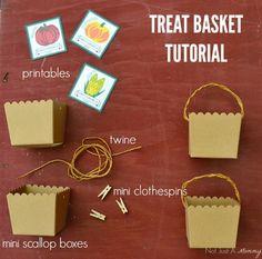 The Party Hop: Autumn Market - DIY Food Labels/Utensil Holder/Wreath