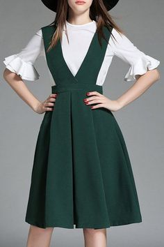 Chic Round Collar Ruff Sleeve White Top + High-Waisted Suspender Dress Twinset For Women - White And Green - L Modest Fashion, Hijab Fashion, Girl Fashion, Fashion Dresses, Womens Fashion, Retro Fashion, Vintage Fashion, Suspender Dress, Cooler Look