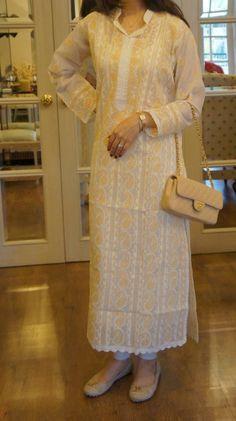 Farida Hasan Lukhnow Kurta Collection 2012-8 Indian Suits, Indian Attire, Indian Wear, Pakistani Dress Design, Pakistani Dresses, Indian Dresses, Lucknowi Suits, Chikankari Suits, Ethenic Wear