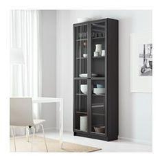 IKEA - BILLY / OXBERG, Bücherregal, schwarzbraun, 80x202x28 cm, , Versetzbare Einlegeböden.Oberfläche aus Echtholzfurnier.Durch seitlich und in der Höhe verstellbare Scharniere lassen sich die Türen perfekt justieren.Vitrinentüren sorgen für staubfreie  Aufbewahrung von allem, was man gerne zeigt.