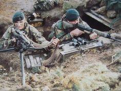 World Warfare, Marine Commandos, British Army Uniform, British Armed Forces, Falklands War, Green Beret, Royal Marines, Military Pictures, War Photography
