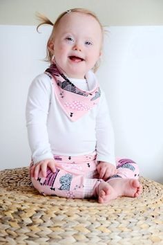 This cutie is all dressed up for the Down Beauties photoshoot. Clothes made by Ansje Handmade, Little Smilemakers pink clouds fabric available via Hemmers Itex.