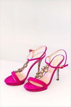 Hot pink Kate Spade shoes @weddingchicks