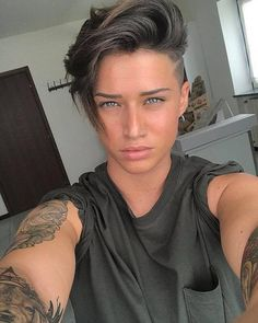 """21 Androgynous Haircuts for a Bold Look""""},""""grid_description"""":"""" Tomboy Haircut, Androgynous Haircut, Tomboy Hairstyles, Girl Haircuts, Short Shaved Hairstyles, Pixie Haircut, Short Hairstyles For Women, Hairstyles Haircuts, Cool Hairstyles"""