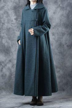 Pankou Decoration Chinese Coat Oversized Vintage Overcoat in Blackish Green One Size - Poncho Coat, Coat Dress, Poncho Mantel, Mode Mantel, Winter Stil, Islamic Clothing, Abaya Fashion, Mode Hijab, Jacket Style