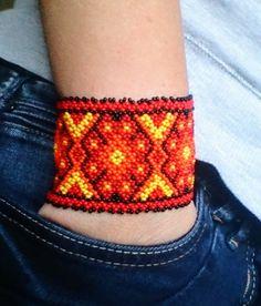 Mexican Huichol Beaded bracelet von BerlinBijou auf Etsy