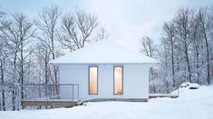 The Minimalist Poisson Blanc Chalet by _naturehumaine - Design Milk Architecture Design, Contemporary Architecture, Canadian Forest, White Cabin, Basement Floor Plans, Cabins In The Woods, Large Windows, Metal Roof, Facade